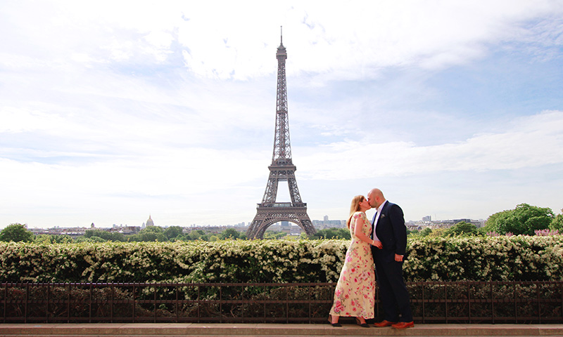 Paris Photographer couple trocadero romantic