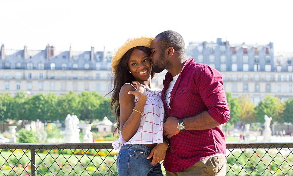paris photographer for couples romatic